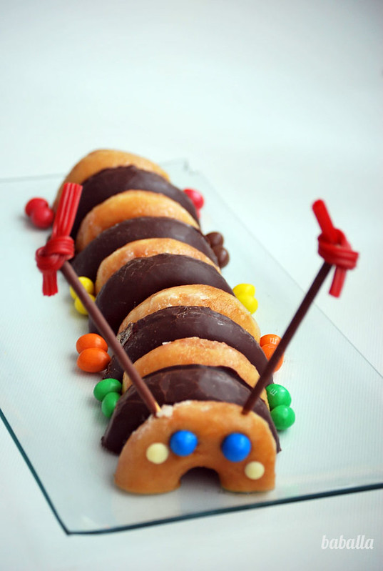 tarta_donuts_gusano