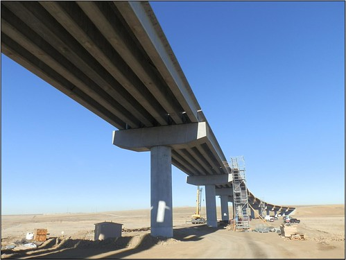 Photo of Peña Boulevard Bridge north approach spans under construction