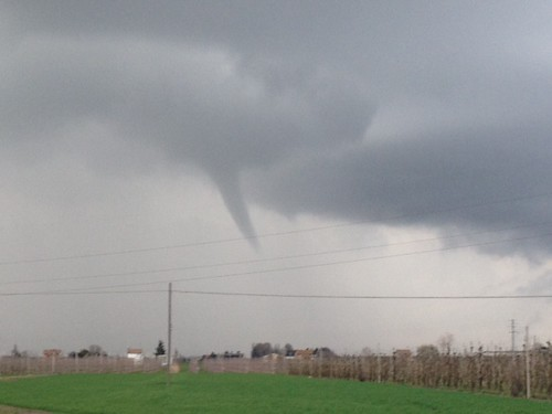 Funnel Cloud a Filo!!! by meteomike