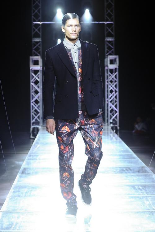 FW13 Tokyo yoshio kubo055_Andrey Zakharov(Fashion Press)