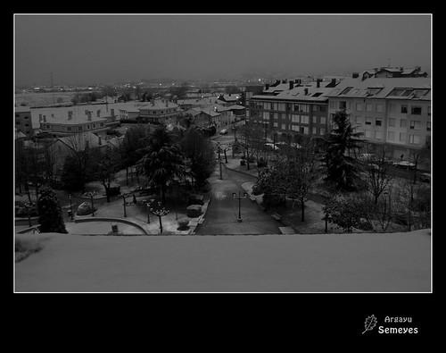 Aún no te has ido y ya te estoy añorando ...nieve. by Argayu