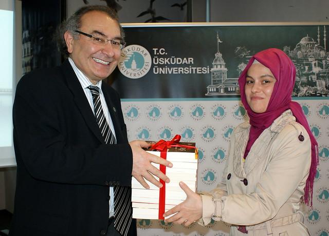 Üsküdar Üniversitesi çok okuyan öğrencilerini ödüllendiriyor 3