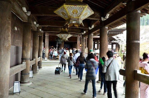 Kiyomizu-dera...crowded