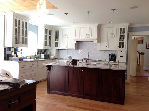 white dove kitchen cabinets which cabinet color simply white vs white dove 28562