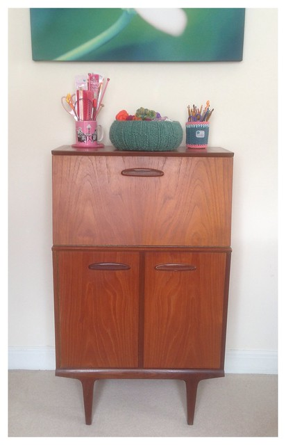 Vintage cocktail cabinet as yarn storage :)