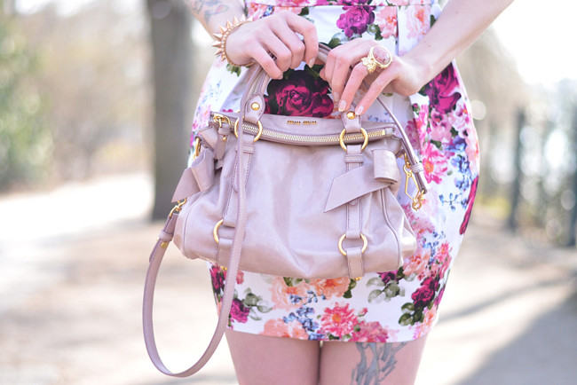 Floral dress miu miu bag outfit 2