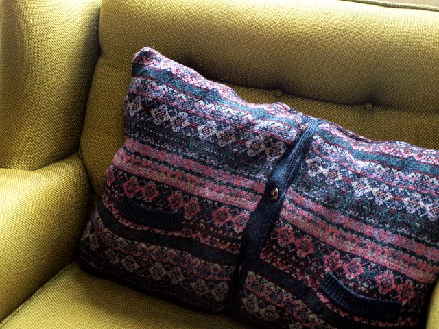 DIY recycled sweater pillow