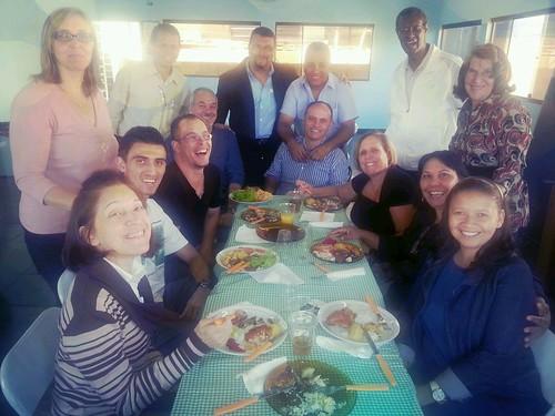 com professores e alunos da extensão da faculdade Metodista Livre em Guarulhos! Uma bênção! by ildomello