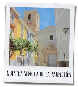 Nuestra Senora de la Asunción op de Plaza de la Iglesia is een van drie vestingkerken in de provincie Alicante die in Gotisch Catalaanse stijl is gebouwd