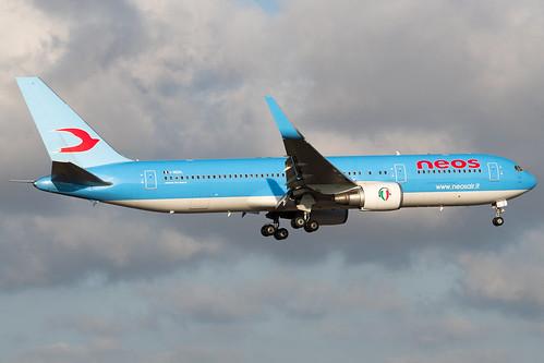 B763 - Boeing 767-324(ER)