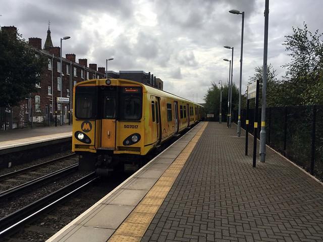 Merseyrail 507 017 @Bootle Oriel Road
