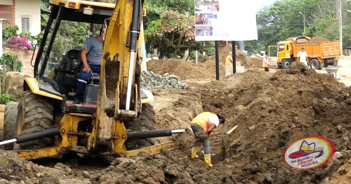 En la Eddy María, La Aurora y Dos Bocas continúan los trabajos del alcantarillado