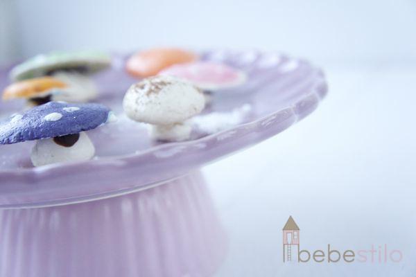 recetas para niños de setas y champiñones de merengue / Mushroom meringue
