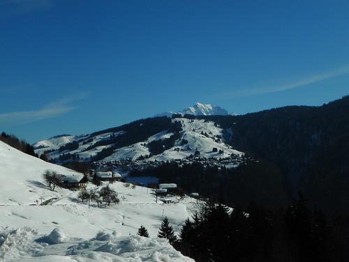 Vue sur le Val d'Arly à la ferme de la Penne
