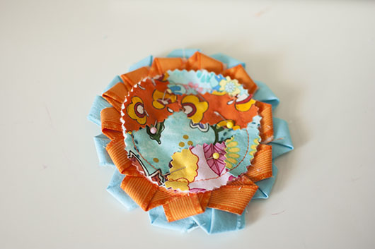 scrappy flower applique and coaster_12