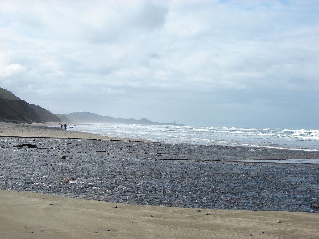 Yaquina Head Lighthouse from Beverly Beach