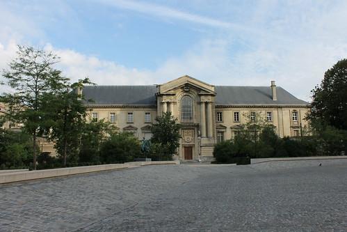 2012.08.04.029 - REIMS - Place du Cardinal Luçon - Palais de Justice