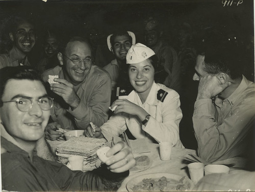 Jewish servicemen and women celebrate Passover