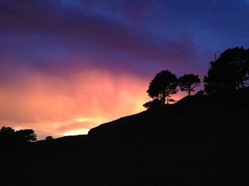 Nice colors tonight on Bernal Hill