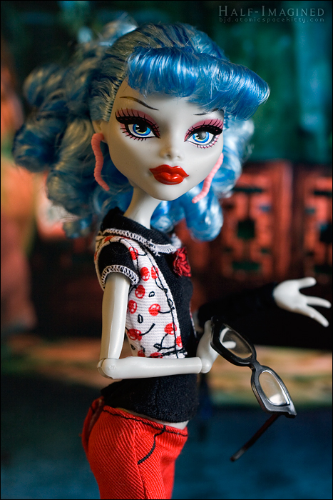 Ghoulia (2 of 4)