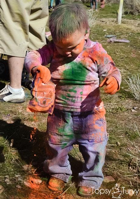 festival-color-baby-boy-orange-chalk
