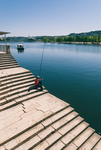 camera portugal digital river reflex fisherman nikon riverside explore d200 dslr tamron coimbra f28 mondego basófias explored 22583 1750mm tamronspaf1750mmf28xrdiiildasphericalif jpfigueiredo theworldatf12 joãopaulofigueiredo jscandids