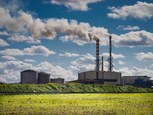 Fabricando nubes by Carlos_JG