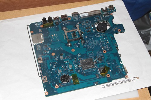 Samsung NP305 laptop motherboard removed from the case