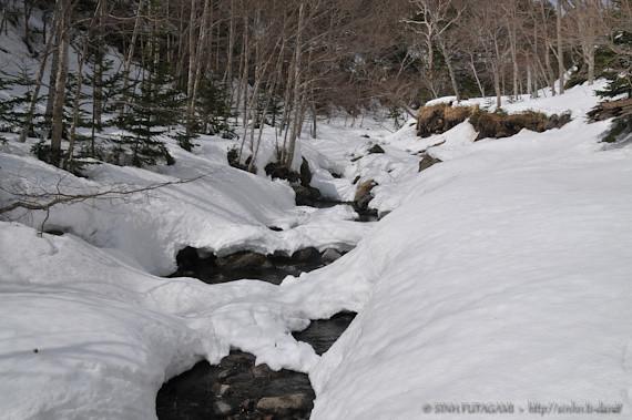20130405-DSC_9950-snow-stream