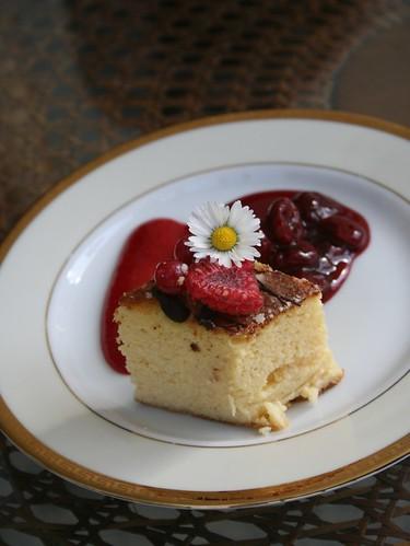 Sernik - Cheesecake Polaco com doce de ginja