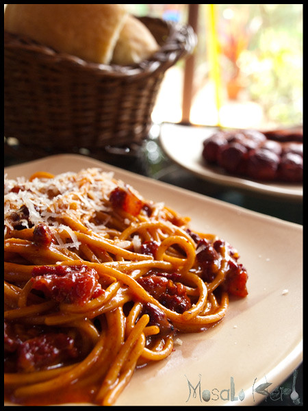 Spaghetti carbonara with spicy choriz sausage