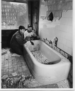 Dismantling a Bathtub in the White House, 02/10/1950