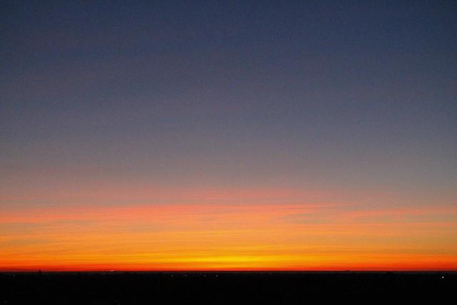 sale el sol por la mañana
