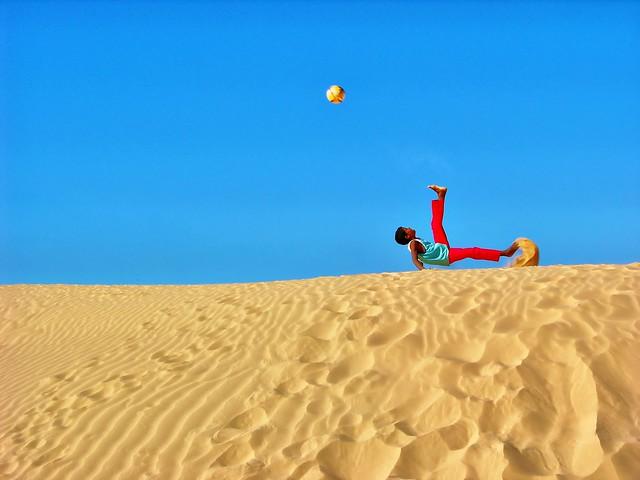 """Kamal """" el Messi del Desert """"."""