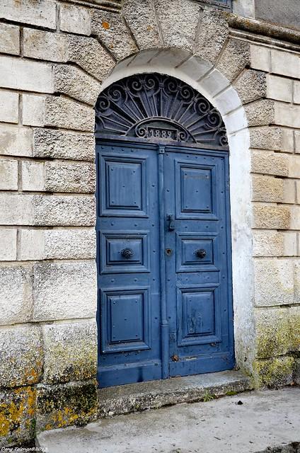 la porte bleue flickr photo