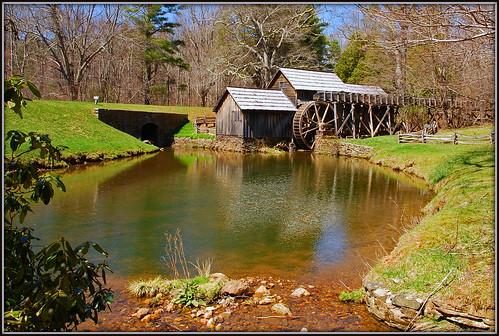 mill pond va blueridgeparkway waterwheel gristmill mabrymill tripodphotography nikkor1685vr