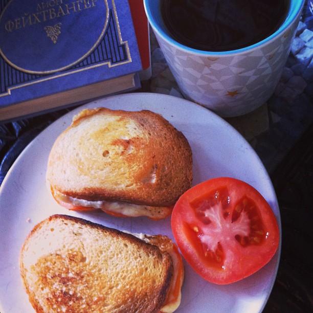 Сделала себе #grillcheese по ютубовскому рецепту. Happy #Sunday #afternoonsnack
