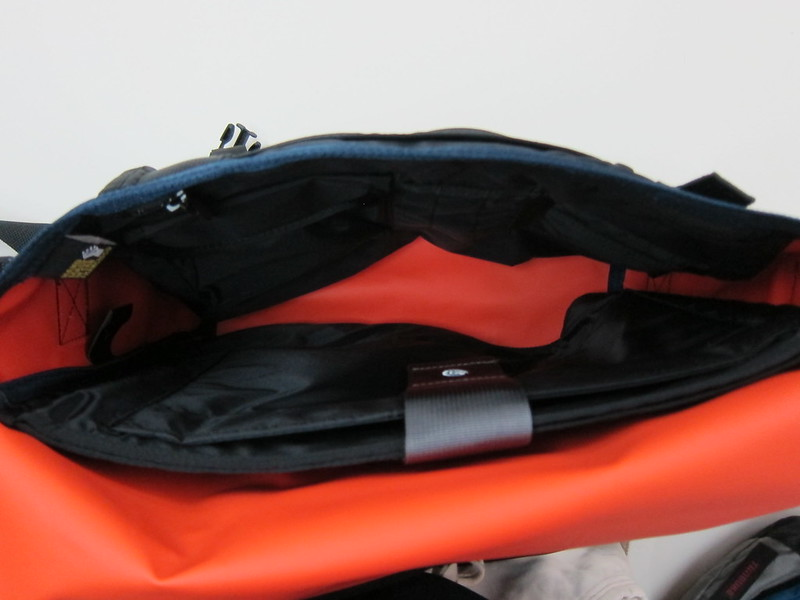 Timbuk2 Custom Laptop Messenger Bag - Inside View (Empty)