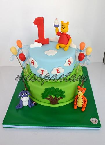 winnie the pooh cake by MİSSPASTAM
