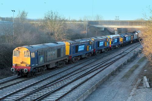 uk tractor english electric train chopper br diesel transport engine rail railway spoon locomotive 20 37 convoy didcot oxfordshire duff 47 growler type3 syphon type1 siphon ee3 class47 class37 type4 ee1 class20 brush4