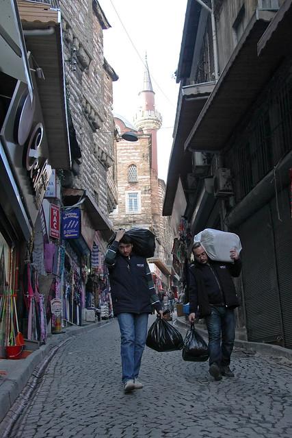 Istanbul old city shopping street in the morning, Turkey 朝のイスタンブール旧市街路地