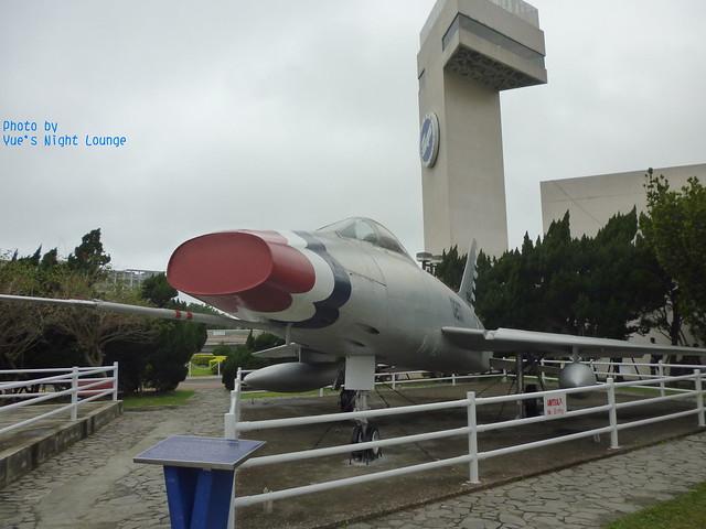 室外飛機公園 F-100A 超級軍刀式戰鬥轟炸機