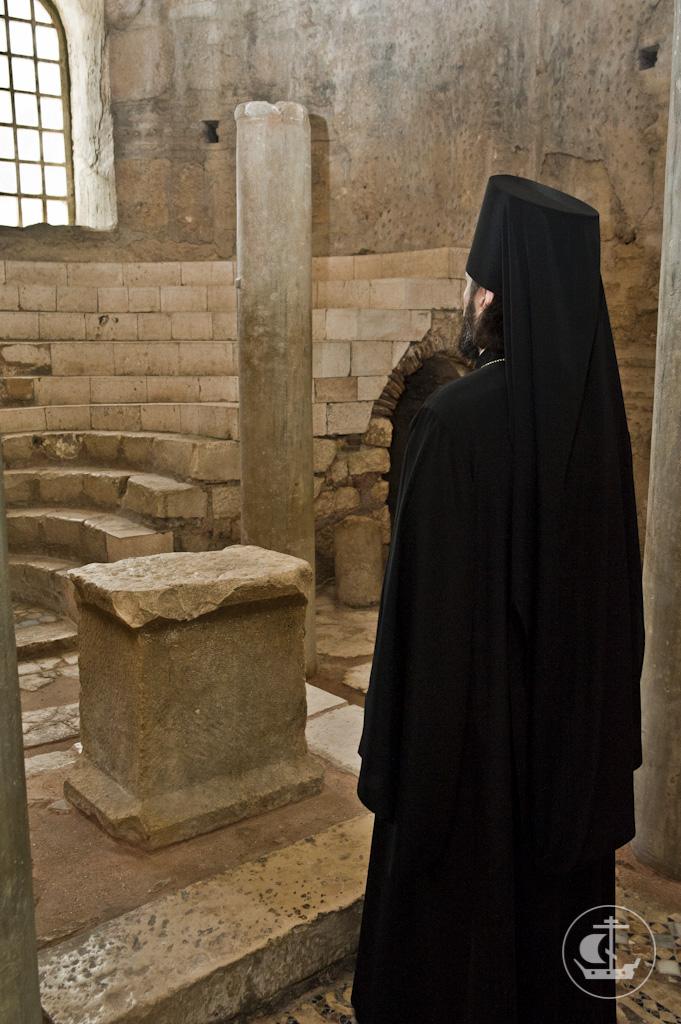 18 апреля 2013, Божественная Литургия в Мирах Ликийских