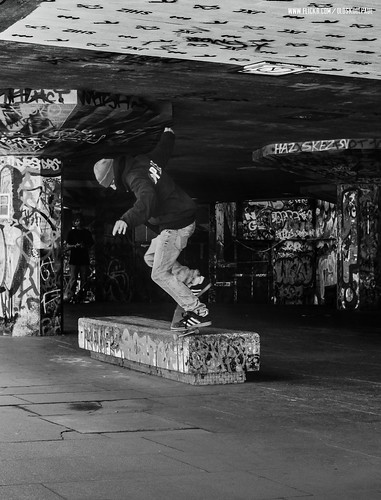 Chewy Cannon - Switch Nosegrind - Southbank