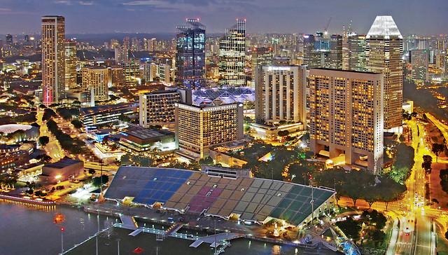 SINGAPORE NIGHT ESCAPADE