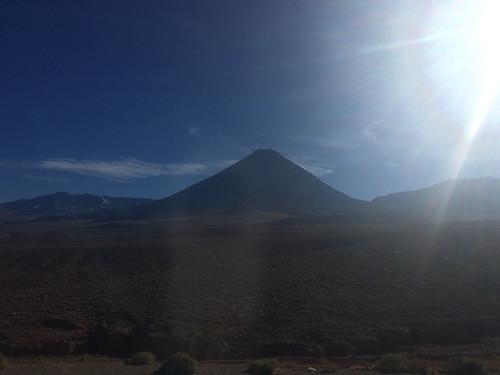 Route de San Pedro de Atacama à Salta: Adiós volcan Licancabur !