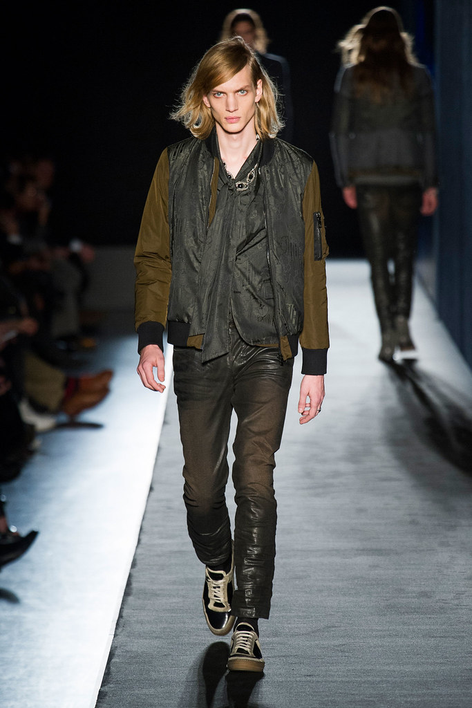 Paul Boche3445_FW13 Milan Diesel Black Gold(fashionising.com)