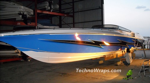 Orlando boat wrap by TechnoSigns