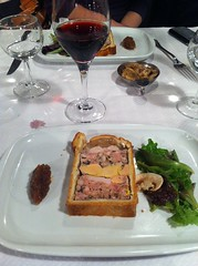 Champion of the World: sweetbread and foie gras pate en croute at Daniel et Denise (Lyon)