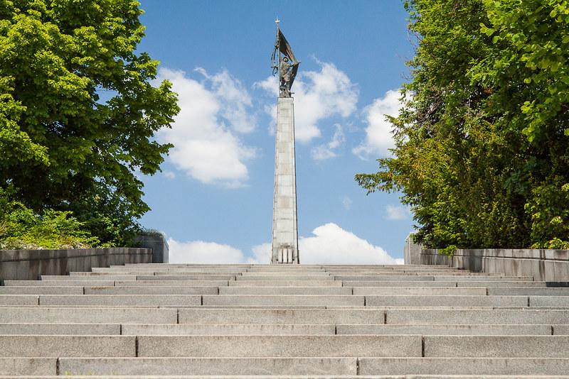 Slavin, Bratislava_03